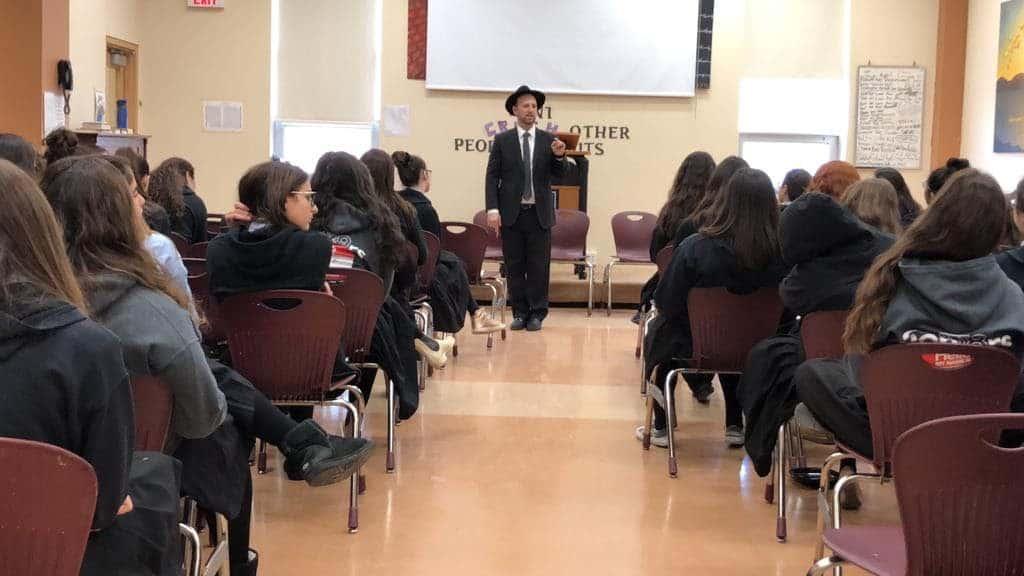 Pre-Pesach Yom Iyun with Rabbi Sytner